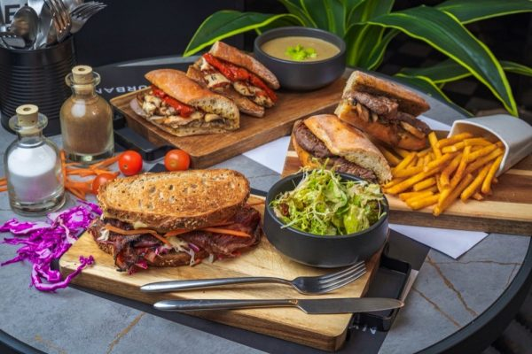 EETEN Urban Kitchen Launches Business Lunch
