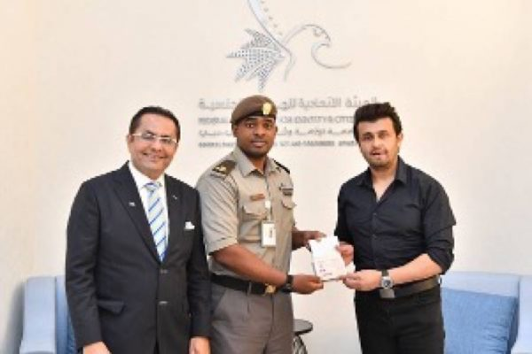 Famous Indian playback singing star Sonu Nigam today received the ten-year UAE Golden Visa